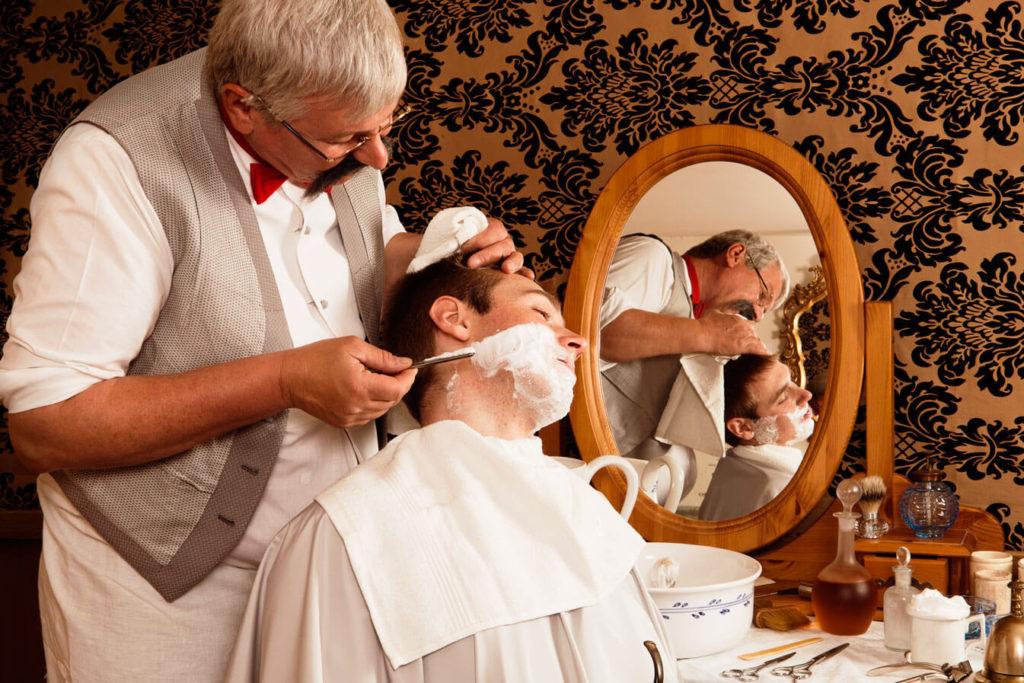 Королевское бритье в салонах