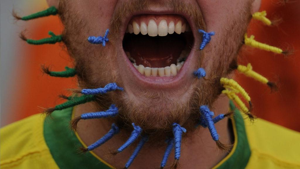 плетение косички на бороде