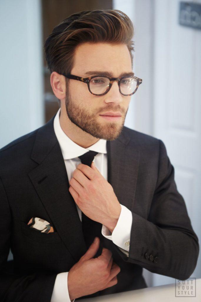 С очками хорошо идет борода
