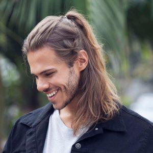Длинные волосы Челка убрана назад