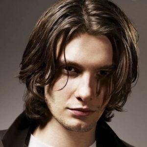 Мужская стрижка для тонких волос Градуированное каре