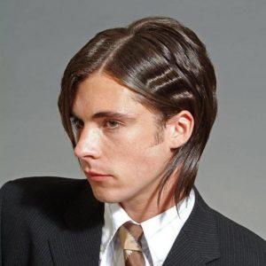 мужская стрижка с классическим прямым пробором