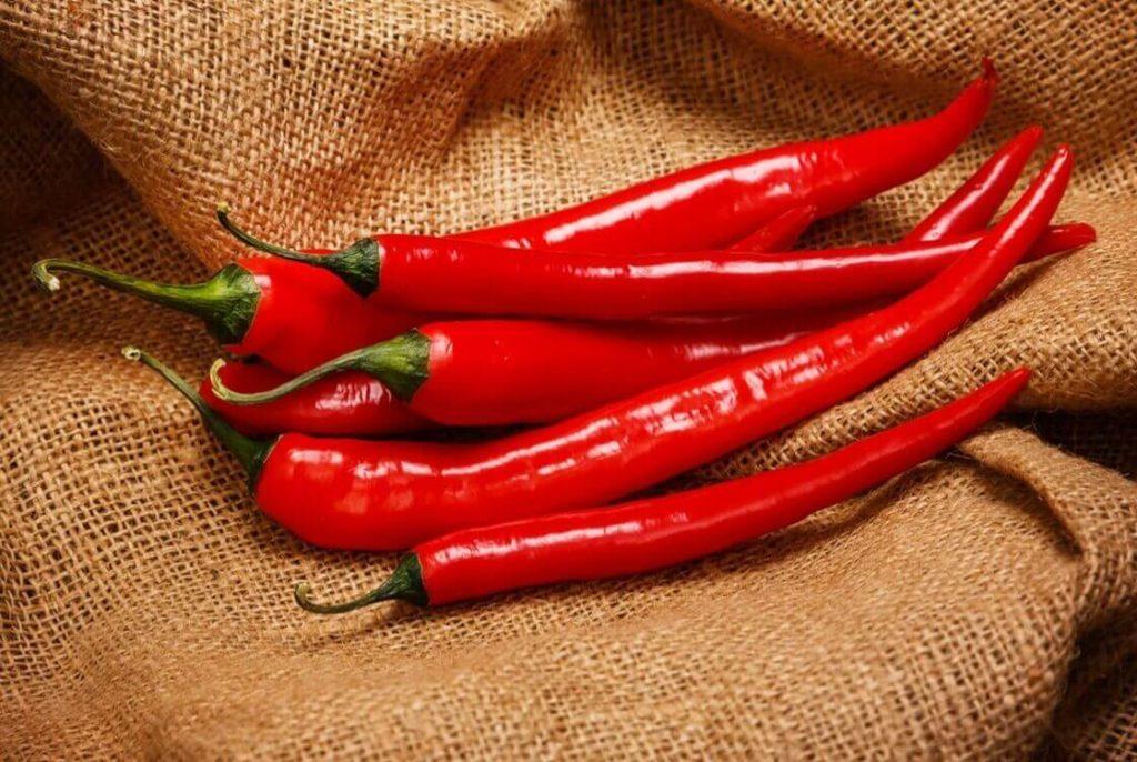 красный перец в составе настоек как народные средства от облысения у мужчин