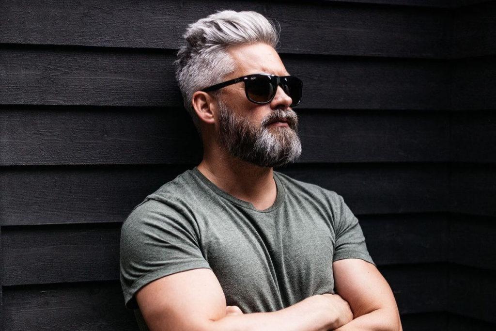 поседевшая борода