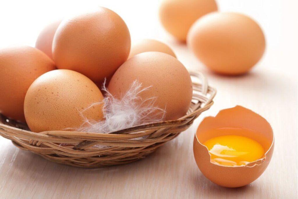 желток яйца в составе масок как народные средства от облысения у мужчин