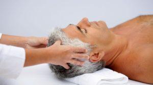 массаж как средство защиты от седины