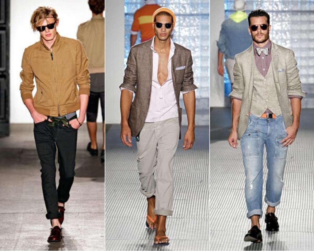 Мужчины в цветных джинсах