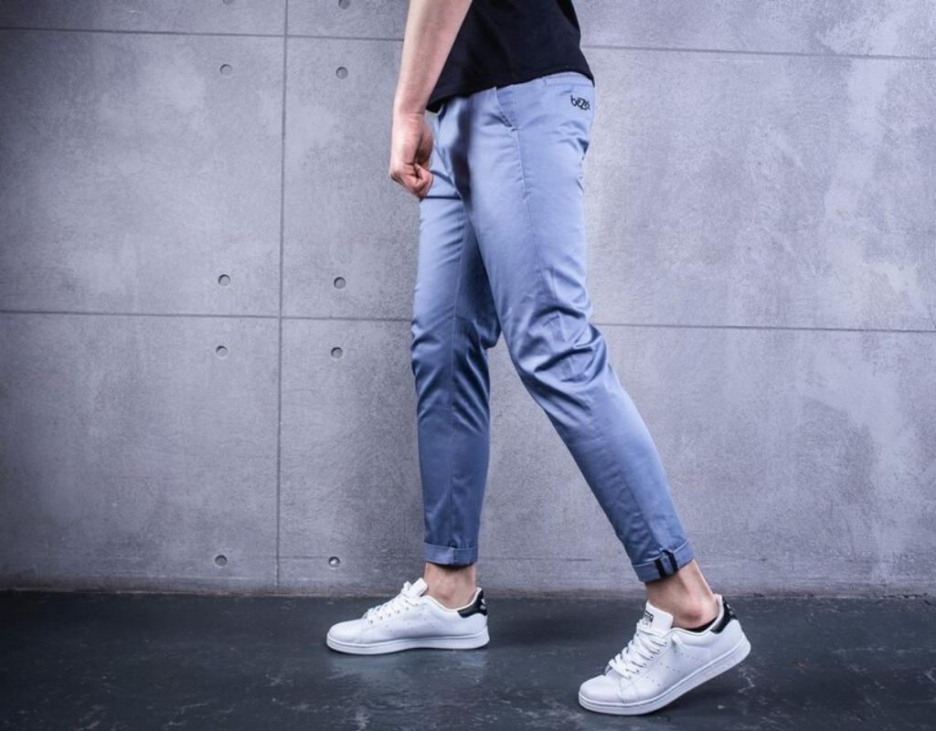 Короткие мужские джинсы